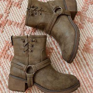 Brown Roxy Heeled Boots